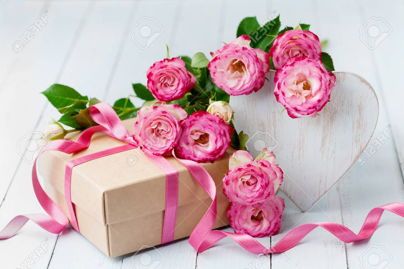 Getting to know about your Anniversary flowers