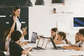 Importance Of Educational Technology: Analysis With Examples