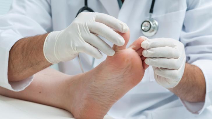 Podiatrist or Orthopedist
